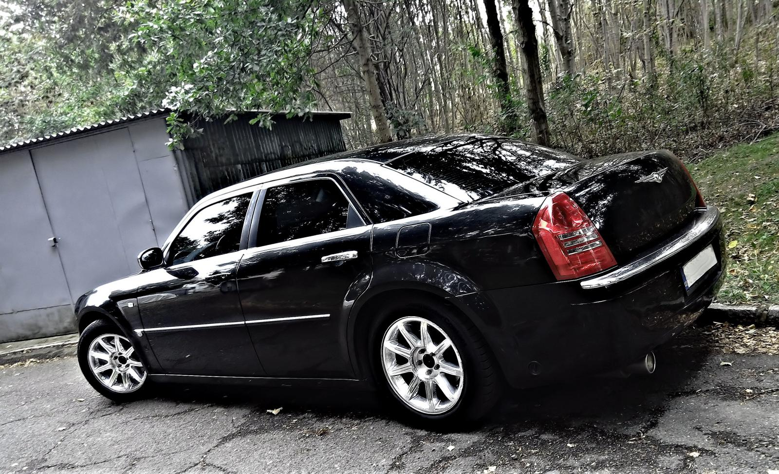 2004 chrysler 300 300c i srt 8 1 generace 5 7 v8. Black Bedroom Furniture Sets. Home Design Ideas